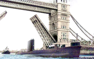 Oberon passing through tower bridge