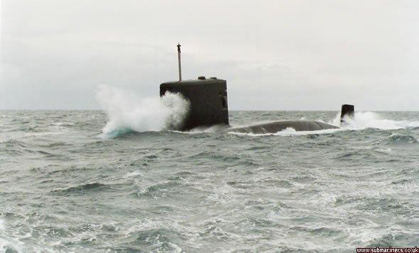 HMS Upholder diving