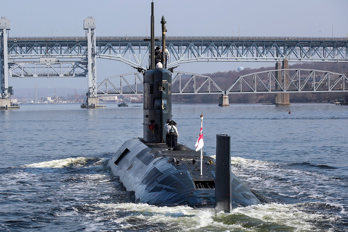 HMS Trenchant sails up the Thames River to the submarine Base of Groton, New England after completion on ICEX